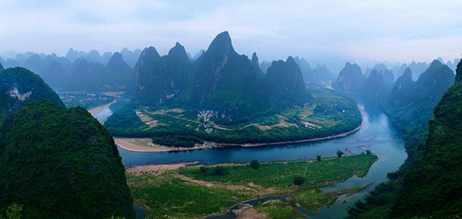 Cruise Through The Beautiful Scenery Of The Li River In Guilin