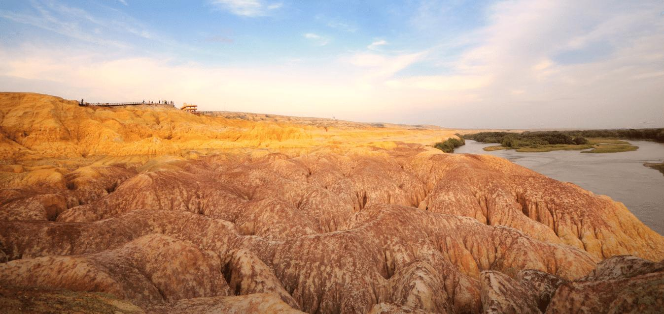 The Top Five Most Beautiful Deserts in China You Should Know About